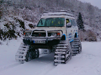SNOW MATTRACKS